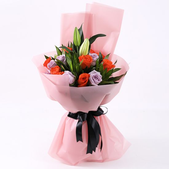 Blushing Bouquet from juneflowers Online Flower Shop in UAE