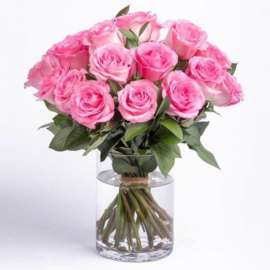 Beautiful 15 Pink Roses in Vase