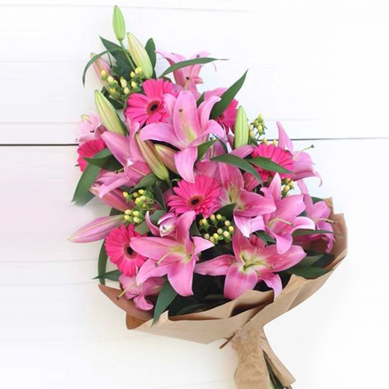 Bouquet of Lavish Pink Lilly With Gerbera